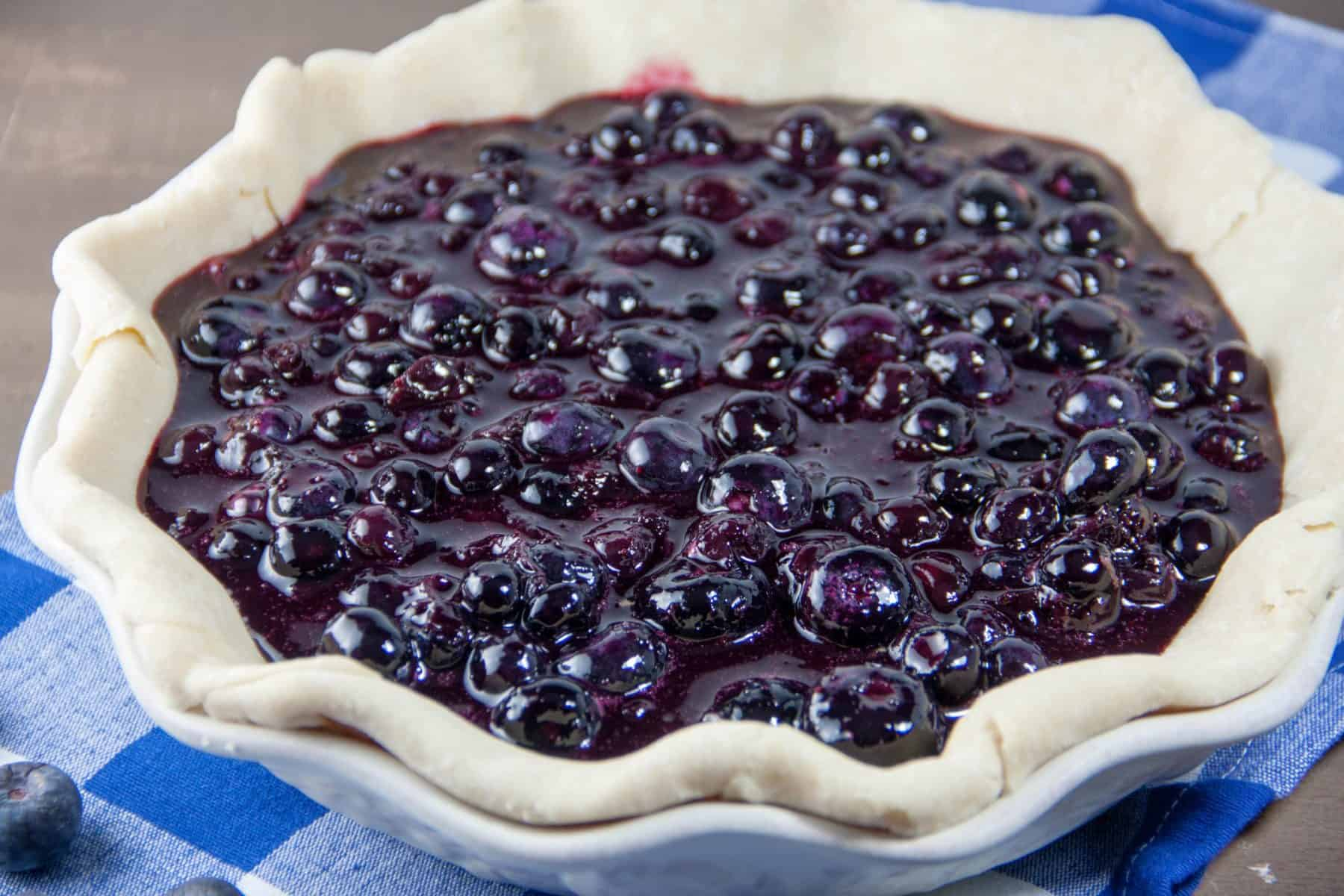 unbaked blueberry pie