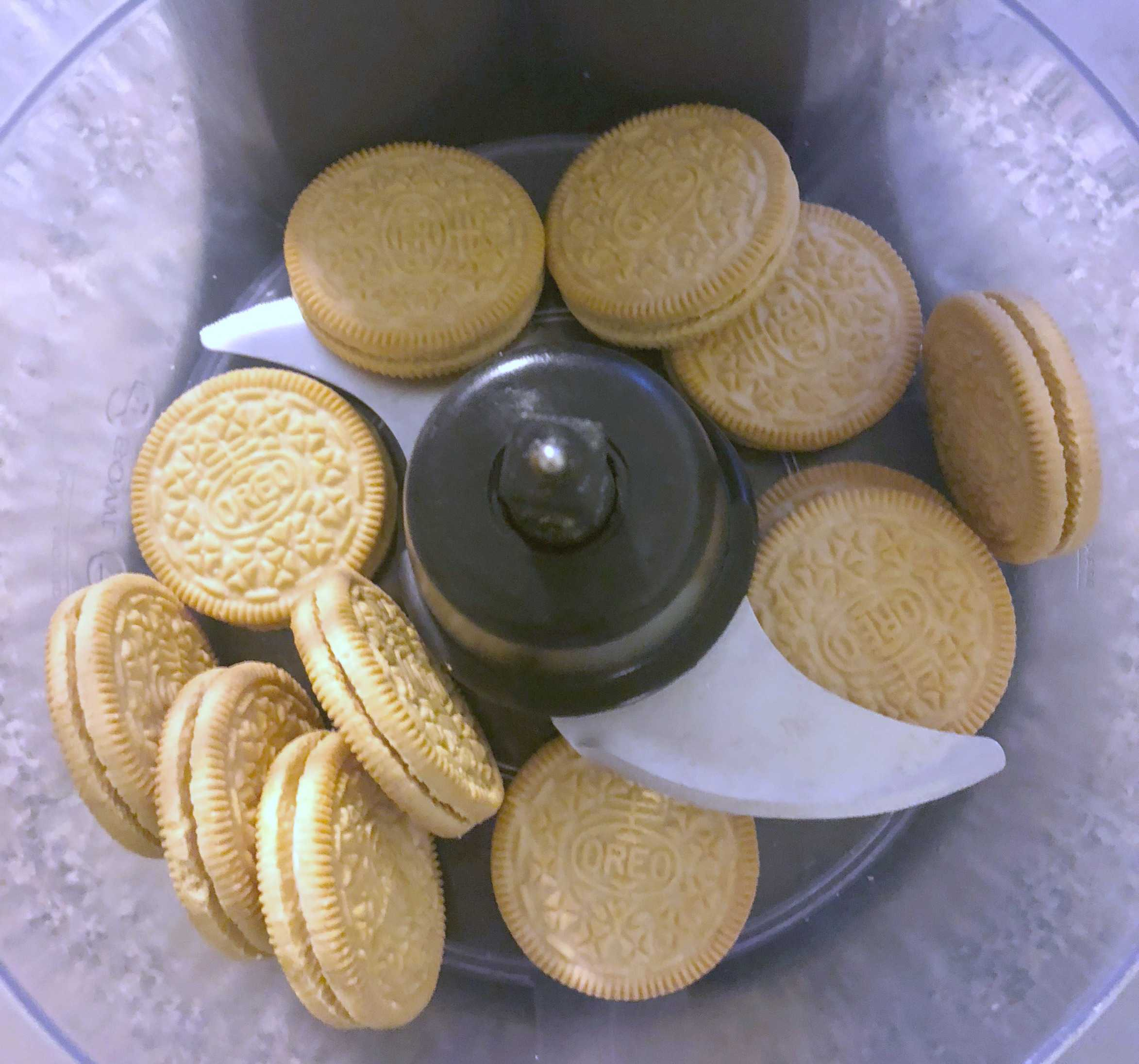 oreos in a food processor