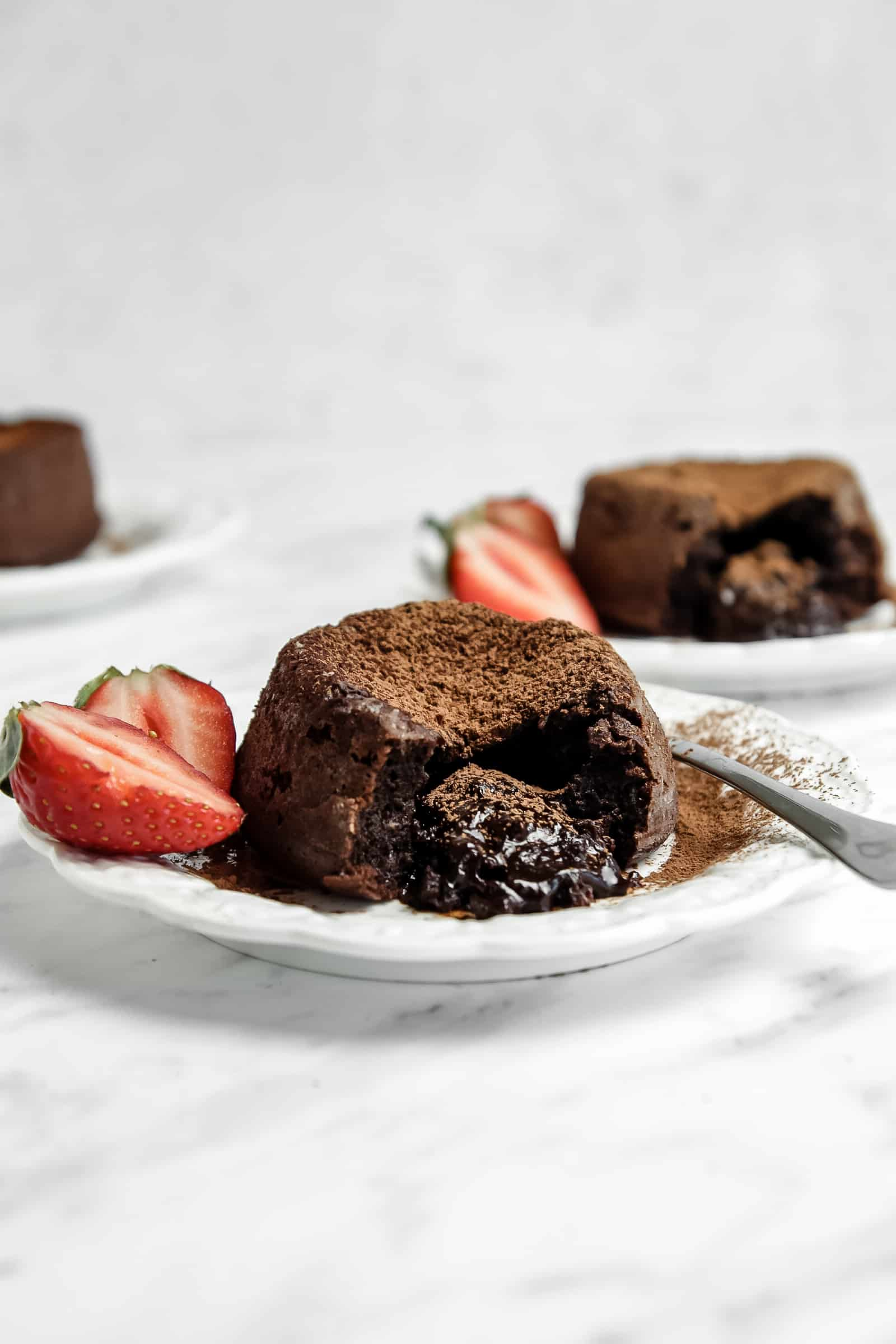 Molten chocolate cake with center oozing out