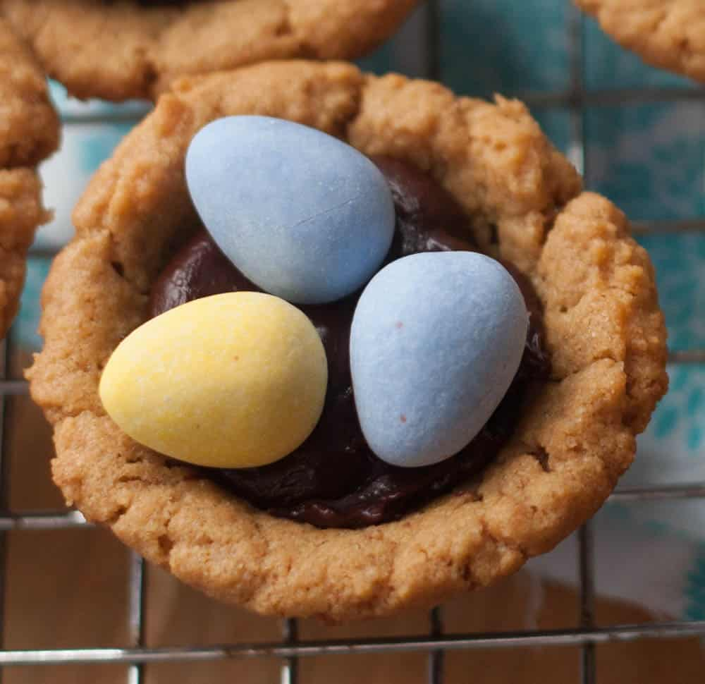 cadbury mini egg cookie cup