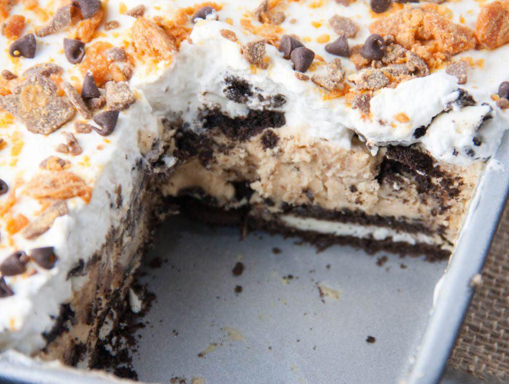 Oreo Icebox Cake in the pan