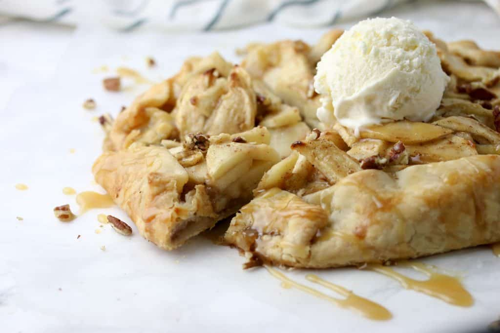 apple crostata topped with icecream