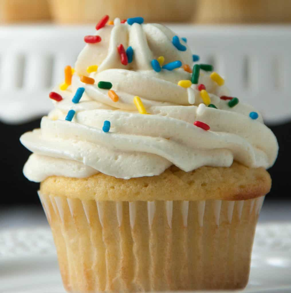 vanilla cupcake with flour buttercream