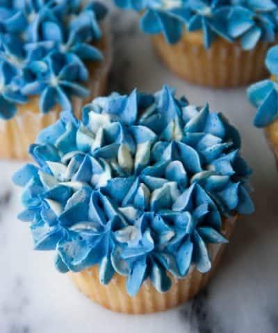 Hydrangea Cupcakes (+ video!)
