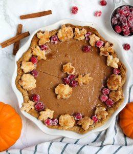 a whole pumpkin pie