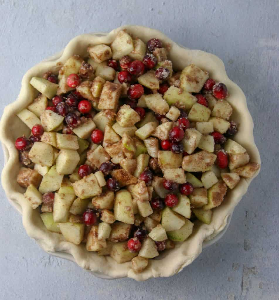 pear cranberry filling in pie crust