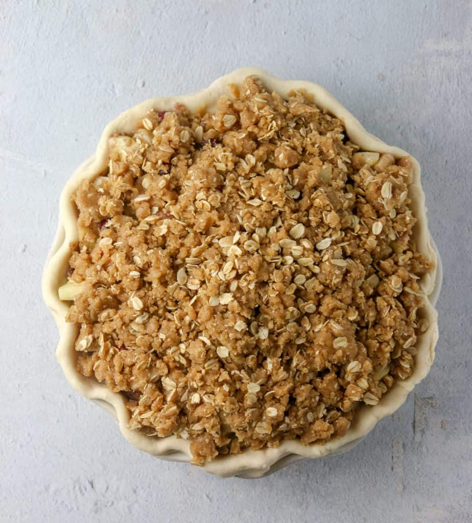 unbaked pear cranberry crumble pie